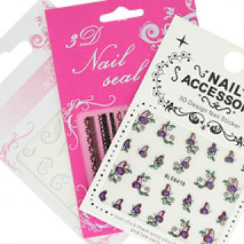 Pose de stickers pour ongles